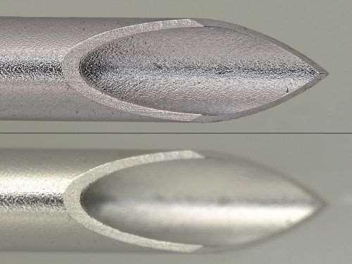 syringe needle tips illustrating imaging with Keyence autofocusing (top image) and without (bottom image)