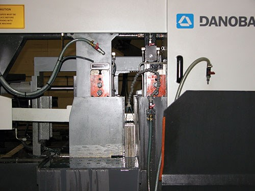 Danobat's movable band saw arm