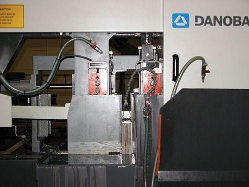 Danobat's movable band saw arm