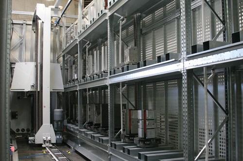 Pallet storage container