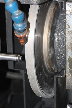Metal-bond grinding wheel