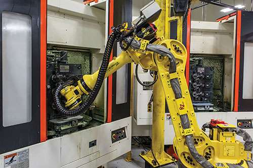 HCN 400-ii machining centers tended by FANUC robot