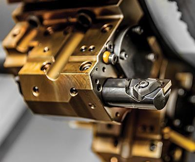 Este Sandvik CNMA432KR 3205 se utiliza para ejecutar una operación de torneado de diámetros internos de giro.
