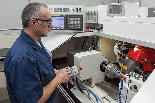 setting up the Studer favoritCNC machine for grinding
