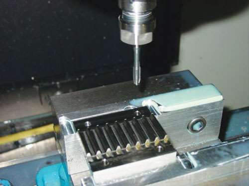 tapping 304 stainless