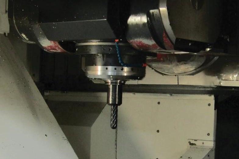 50-taper V-flange toolholder in machine