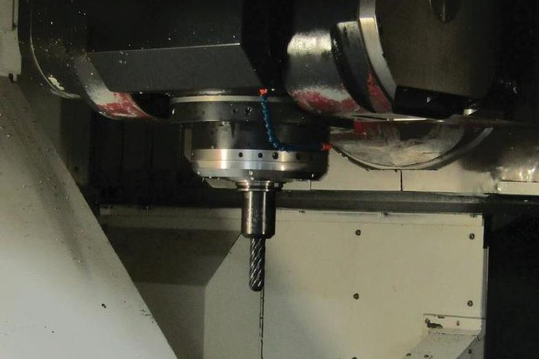 50-taper V-flange toolholder in machine