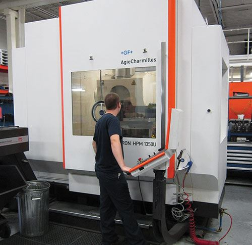 Moulexpert's five-axis machine