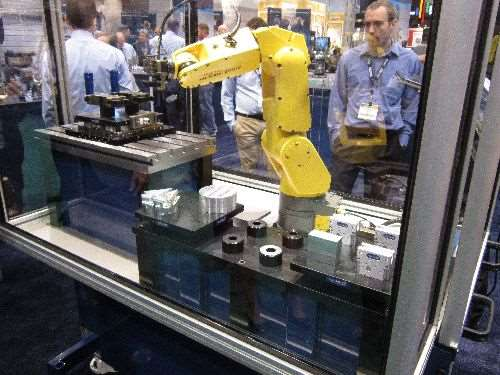 compact robotic demo from Schunk