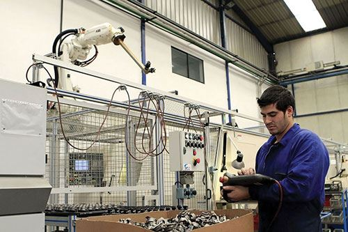 robots lower labor costs and enable the operator to be used for skilled work