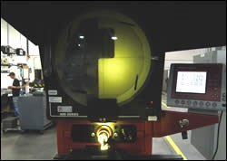Optical comparator has reduced overall inspection time