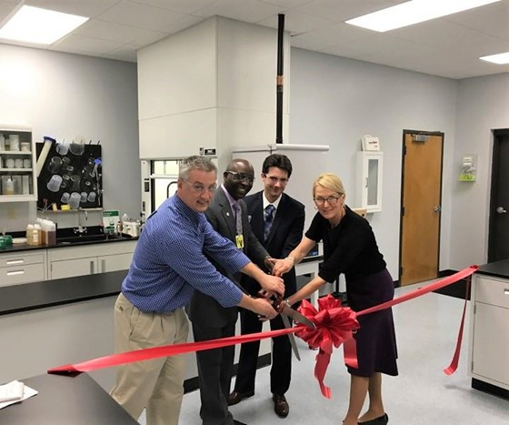 From left to right: Senior Technical Advisor Larry Ensley, Inman Mayor Cornelius Huff, Inman City Administrator Jeremy B. Caudle, and Hubbard-Hall President & CEO Molly Kellogg cut the ribbon in honor of the renovated lab.