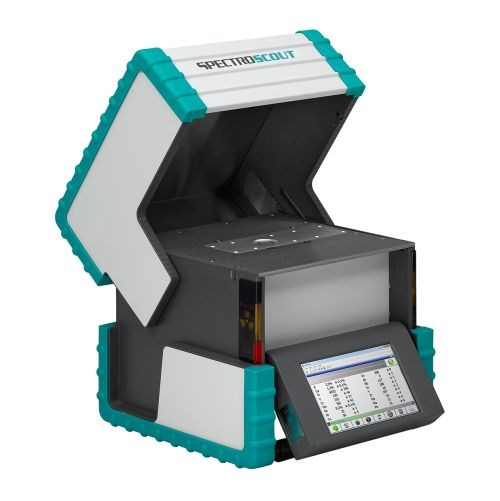 The durable and compact SpectroScout XRF analyzer