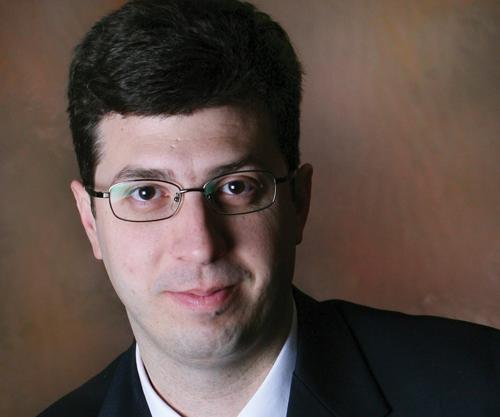 Dr. Radu Pavel