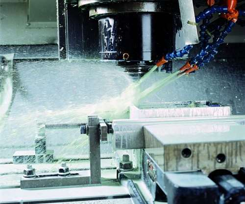 Milling with water-soluble coolant