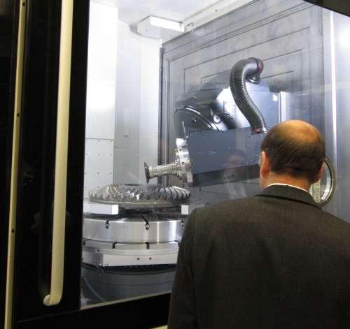 DMU 125 FD Monoblock universal machining center