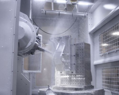 enclosure of the SNK CMV-100