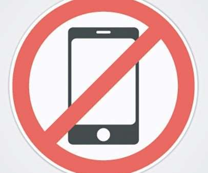 Shops Differ on Cellphone Policies