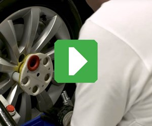 3D-printed wheel protection jig at Volkswagen Autoeuropa