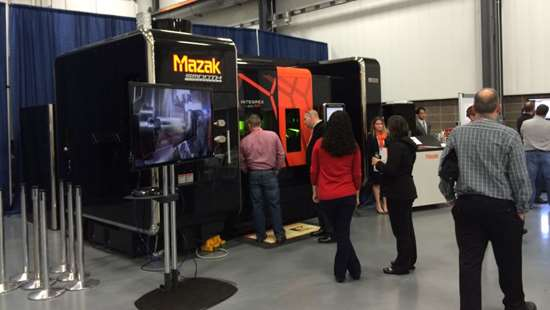 attendees at Mazak Discover 2015
