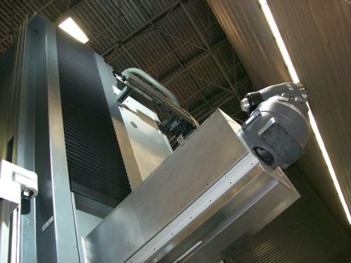 Zayer's 30KCU-AR moving-column machining center