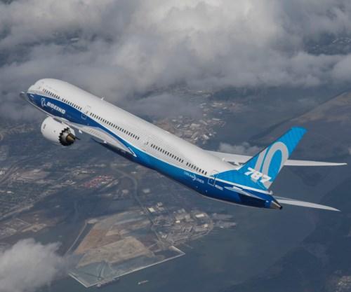 Boeing 787-10 first flight.