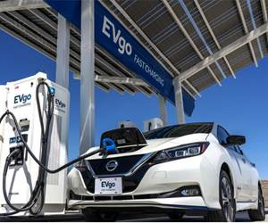 Nissan Offers Leaf Buyers Charging Credits