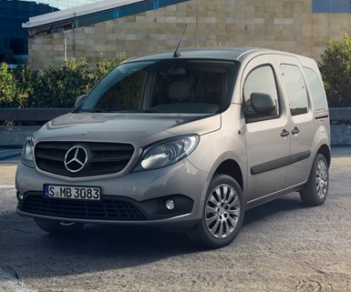 Daimler Ponders Overhaul of Mercedes Vans Unit