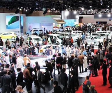Tokyo Auto Show Attendance Soars 70%