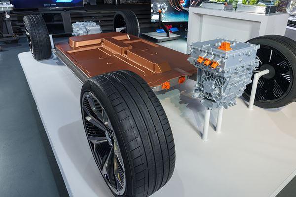 GM Touts Cheaper EV Battery Tech image