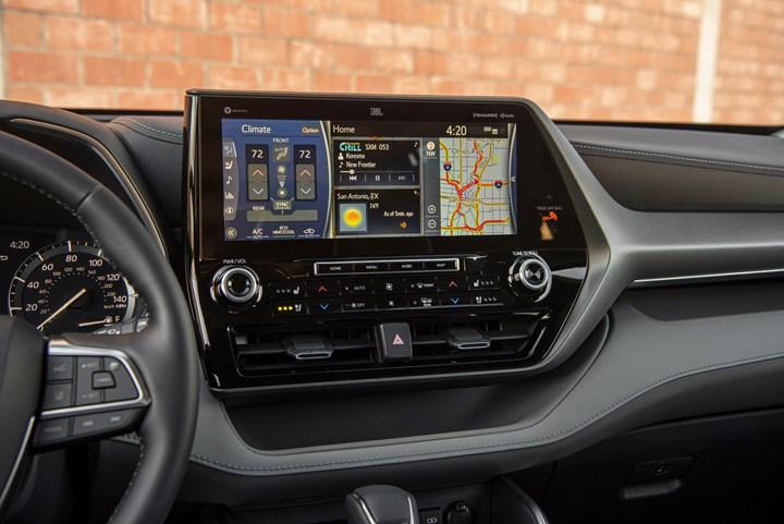 Toyota Highlander screen