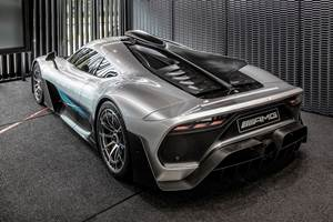 Mercedes Plans Electric Sports Cars