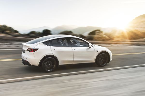 Tesla's New Model Y Grapples with Quality Issues image