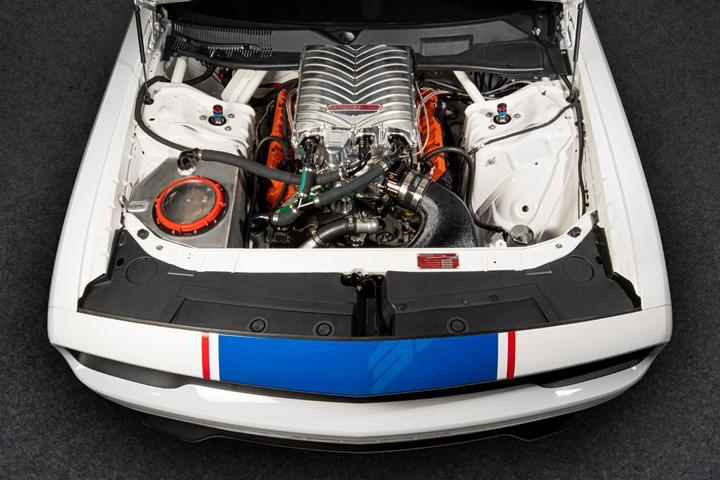 Mopar Challenger engine