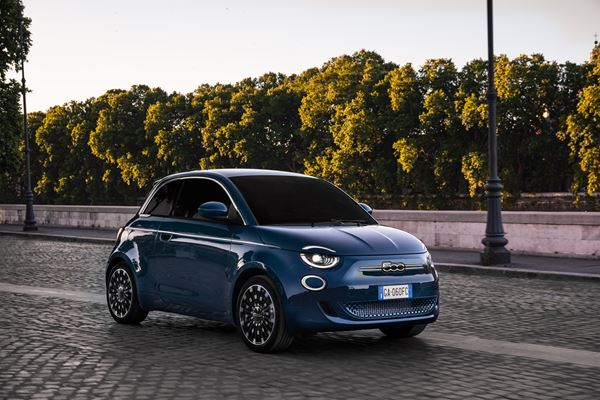 The New Fiat 500 and Italian Coffee image