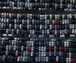 New Car Deliveries in Europe Drop 4%