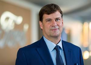 New Ford CEO Farley Begins to Assemble His Team