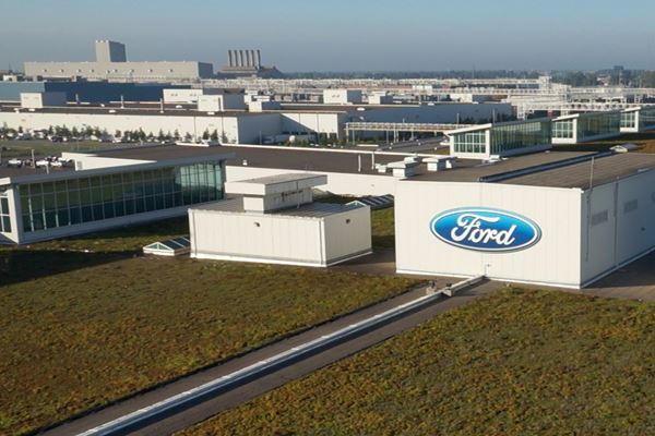 Ford to Resume Production at 13 Plants in N. America image