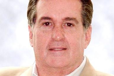Ex-GM Board Member Ashton Pleads Guilty in UAW Corruption Probe