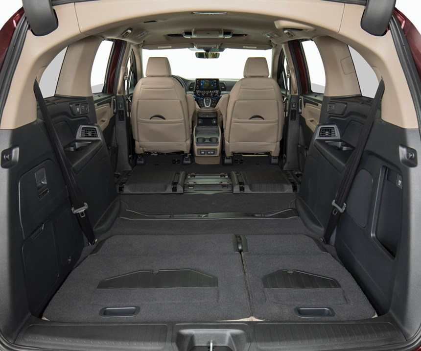 Once it seemed as though a defining metric of whether something was truly a minivan was whether it could handle a 4 x 8-foot sheet of plywood. The 2018 Odyssey has a 48.6-inch tailgate opening and fold-flat seats. Yes, it can take the plywood. But it is really designed to carry people.