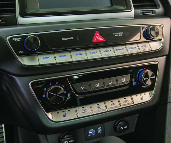 """Note how the audio and HVAC buttons are arrayed in a horizontal line, like piano keys. Hyundai developers even benchmarked the """"feel"""" of actual piano keys."""