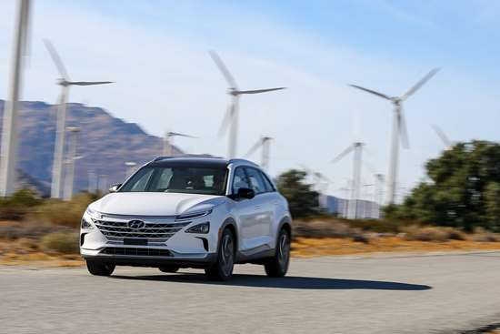 Nexo is coming: the Hyundai fuel cell electric vehicle has a range of up to 380 miles.