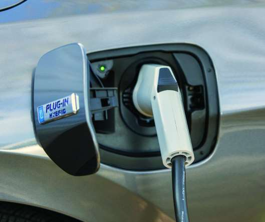 A full charge can be attained in 2.5 hours using a Level 2, 240-volt (32-amp) charger.