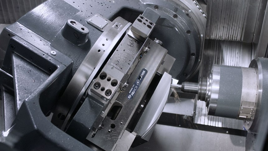 Th Heller HF Series verticals are designed for 5-sided machining and simultaneous 5-axis machining.