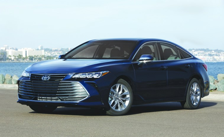 The 2019 Avalon comes with two distinctive appearances, which you can discern from the front fascias, one more elegant (XLE and Limited trims, shown here)and one that's sportier (XSE and Touring, next photo).