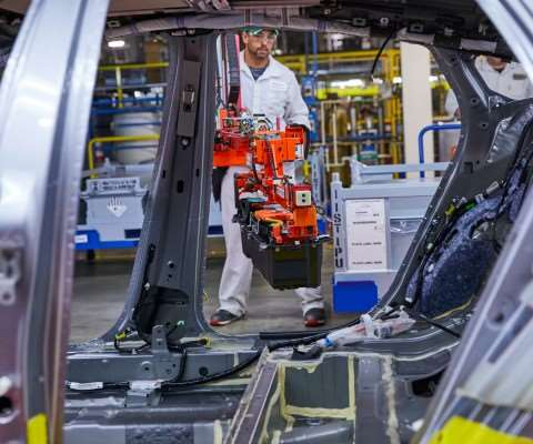 The Insight is manufactured at the Honda Manufacturing of Indiana plant in Greenburg, Indiana, where the Civic and CR-V are also produced. The hybrid battery pack is built at the Marysville Auto Plant in Ohio, and the engine is manufactured at the Honda engine plant in Anna, Ohio.