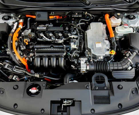 The powertrain combines a 1.5-liter engine and two motors. The system output is 151 hp. The engine has a thermal efficiency of 40.5 percent.