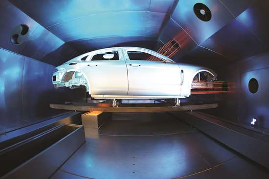 The Dürr EcoInCure oven uses sets of nozzles that  heat a body in the paint shop from the inside out.
