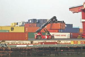 The Track&Trace system makes individual shipping containers continually visible on a data network while in transit. (source: Wikipedia Commons )