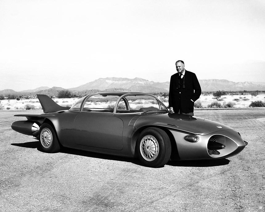 Earl and the 1956 Firebird II concept. (Photo: GM)
